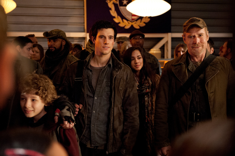 Falling Skies - The Price of Greatness